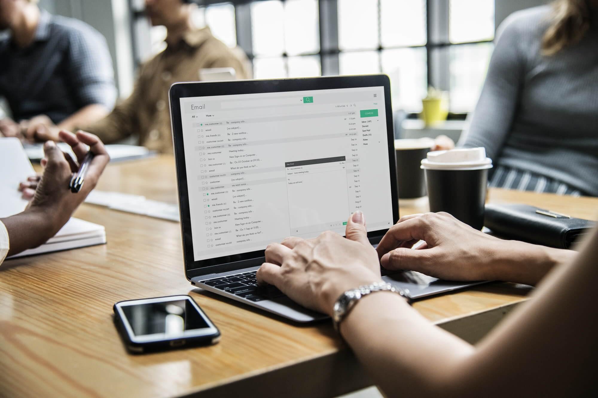het belang van een professionele email handtekening